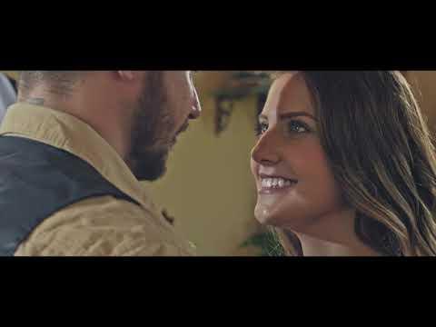 Manutti - Um Pé de Amor (Clipe Oficial)