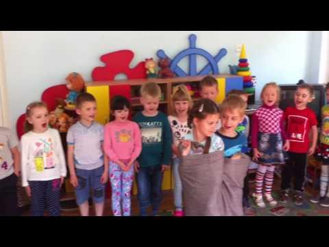 Игра двойняшки в детском саду