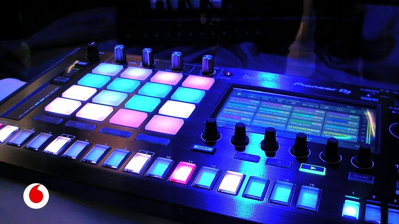 Así es la inteligencia artificial que ha creado la música de este artículo