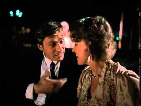 Любовь и Голуби  1984 Раиса Захаровна жжет в баре 480
