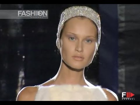 GIANNI VERSACE Atelier Fall Winter 1998 1999 Haute Couture Paris - Fashion Channel