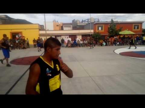 Construcciones (tlaxiaco) VS San andres Torneo relampa 2017 Teotitlán del valle cancha club caminos