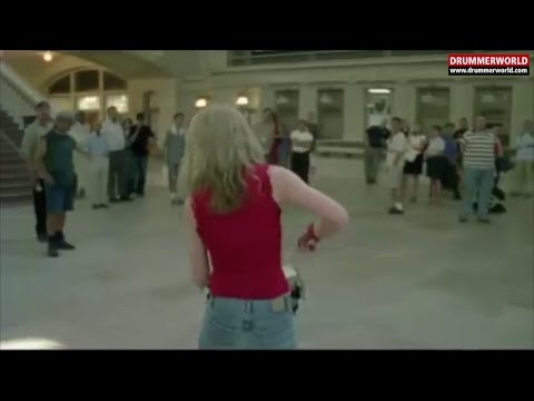 Evelyn Glennie: Snare Drum in the Central Station New York