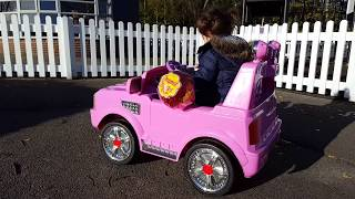 Playing in the Park with Chupa Chups/ Playground for Kids Pink Car