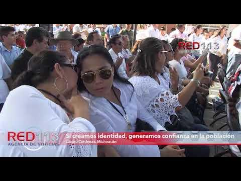 VIDEO Dos lesionados al volcar un tráiler en Uruapan