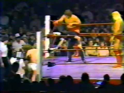 The Freebirds vs David, Kerry & Mike Von Erich