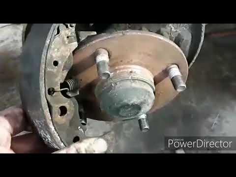 Как заменить задние колодки на Ниссан Альмера Классик. Nissan Almera 2010г.