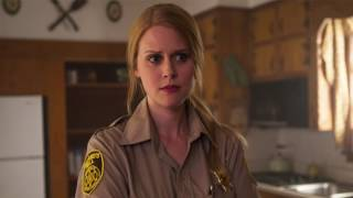 Interview with Janet Varney / Celebrity Life News