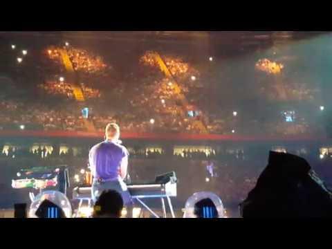 Coldplay - Everglow (A Head Full of Dreams Tour 2017 @ Principality Stadium, Cardiff, UK)