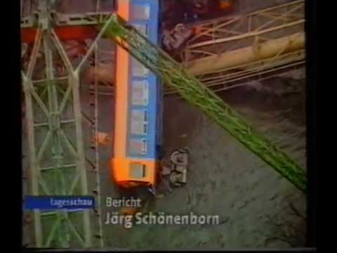 unfall schwebebahn wuppertal youtube. Black Bedroom Furniture Sets. Home Design Ideas