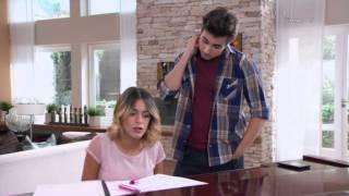 Angie le entrega el video a Violetta y León (03x63)