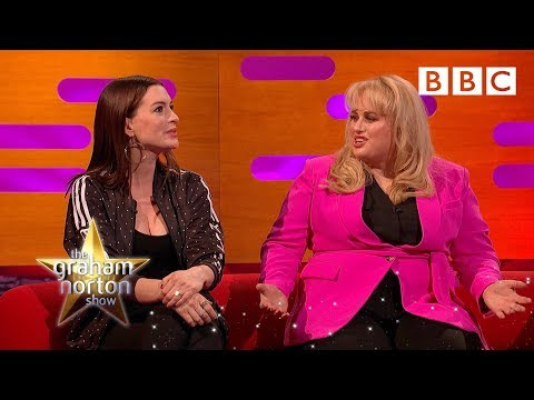 Rebel Wilson calls Anne Hathaway an animatronic cock tease 😲 - BBC The Graham Norton Show