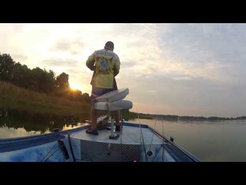 Lake Gibson Tournament Buzz Baits And Flipping! Post Spawn!