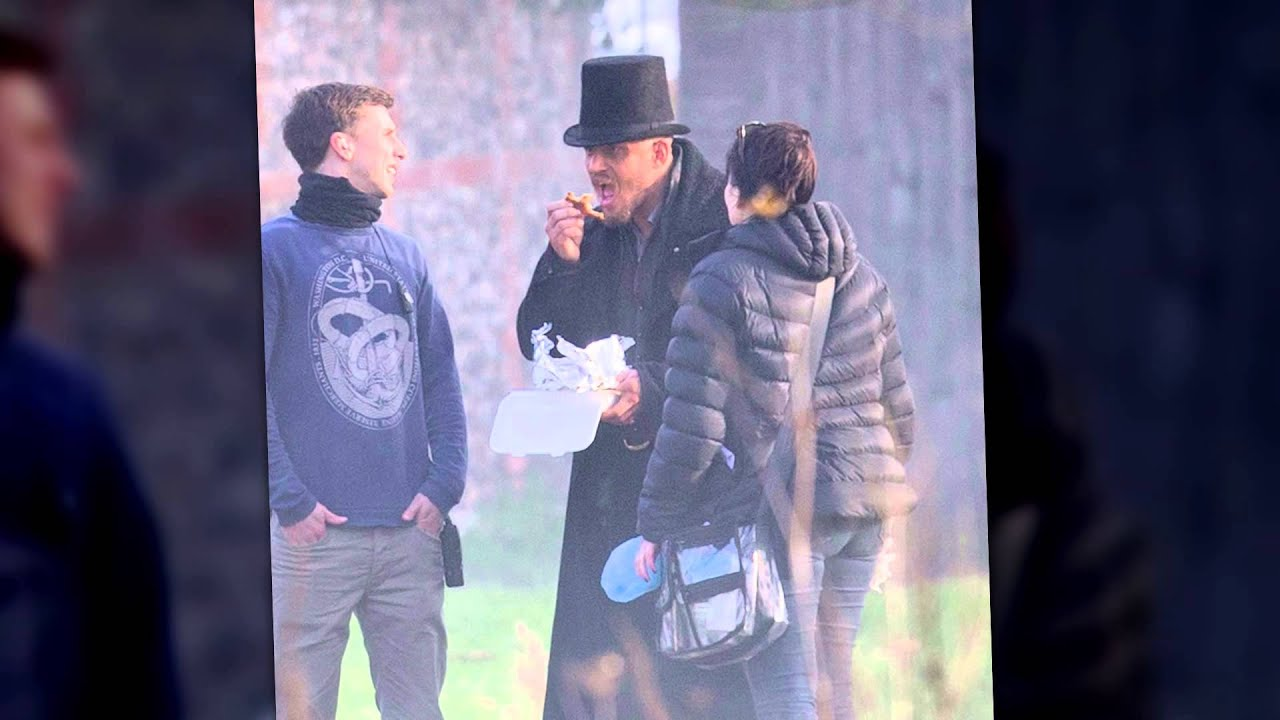 Tom Hardy Vapes and Eats Take Out While Filming Period Drama | Splash News TV | Splash News TV