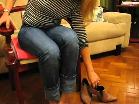 Smelling Her Nylon Feet from YouTube · Duration:  3 minutes 2 seconds