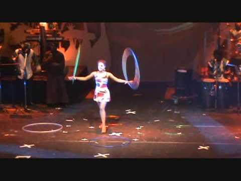 Mother Africa Hulahopp1 (circus der sinne 2009)
