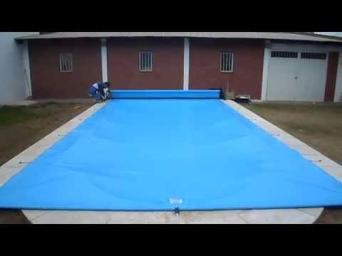 Piletas redondas peligrosas doovi for Cubre piscina bestway