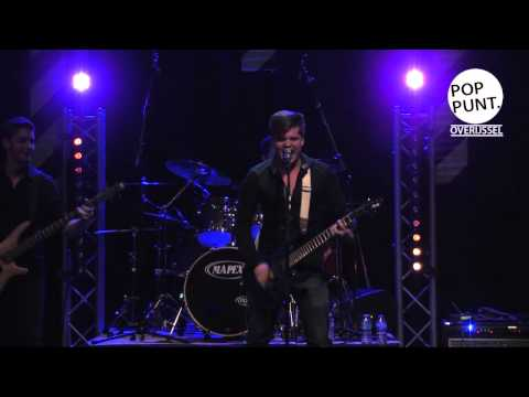 Undawn, live op showcasefestival  'De IJssel Stroomt Over'.