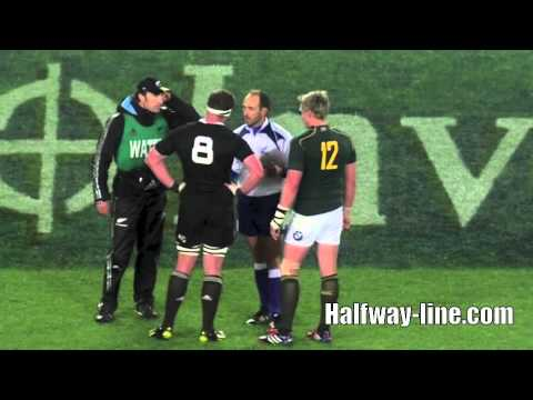 Bismarck du Plessis Hot On Dan Carter
