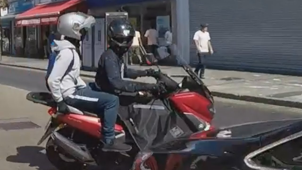 London Motorcycle Show >> Armed Moped Thieves Flee on Stolen Scooter Wembley - YouTube