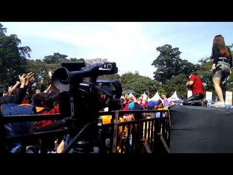 Arvia Feat Dayu Ag Heboh Di Sambut Penonton_ CANTIK