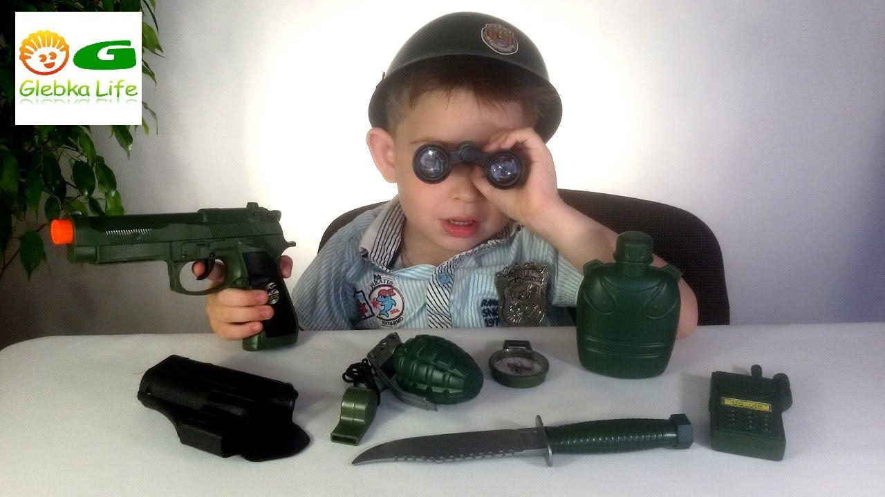 Детское оружие: детский военный набор. Игрушки для мальчиков. Child weapons Children's pistol.