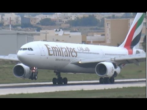 EMIRATES Airbus A330-200 (A6-EKT) landing @ Malta International Airport 10/2/2015