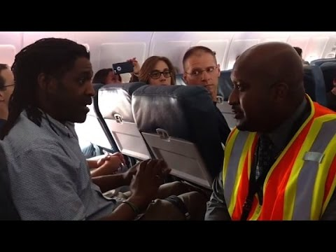 Man: I was kicked off flight for using bathroom