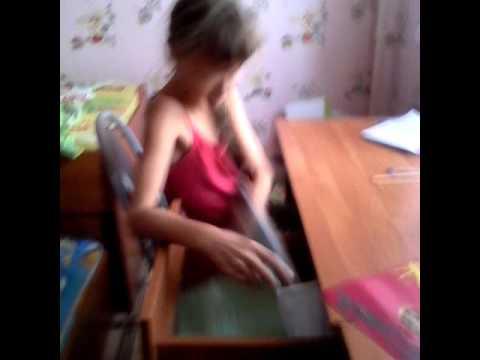 Порно скритой камери в спалне сестри