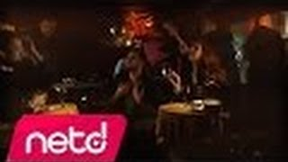 Volga Tamöz ft. Hande Yener-Sebastian Video