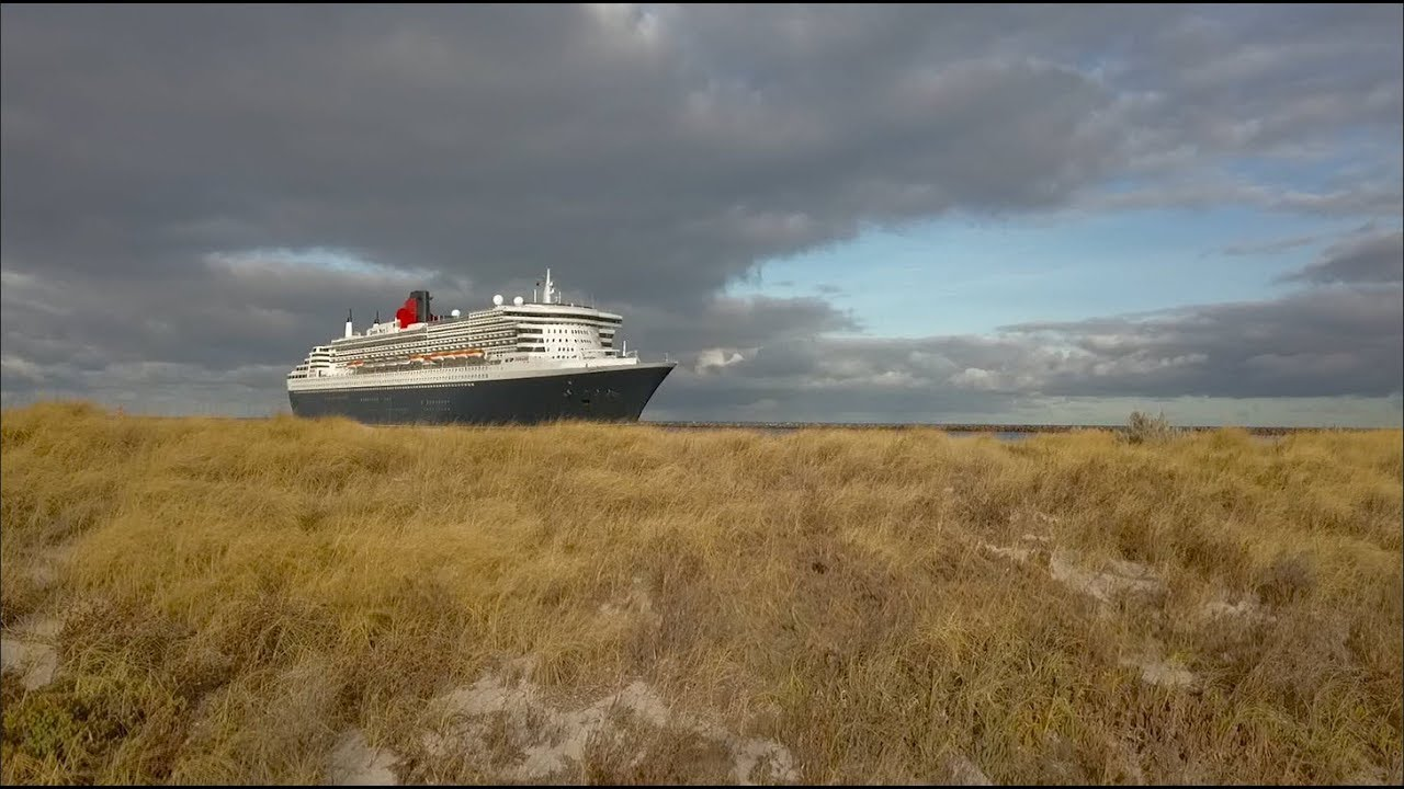Queen Mary Arrival And Departure Port Adelaide Feb - Cruise ship arrivals adelaide