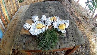 Вкусный картофель c салом на углях. Походная кухня