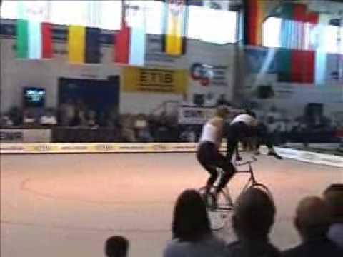 Fixed Gear Bike Ballet