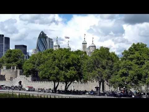 Mini Footage - Panorama from the Tower Bridge (London, UK)