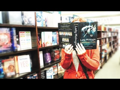 Going to Barnes & Noble | Lady Midnight Vlog!