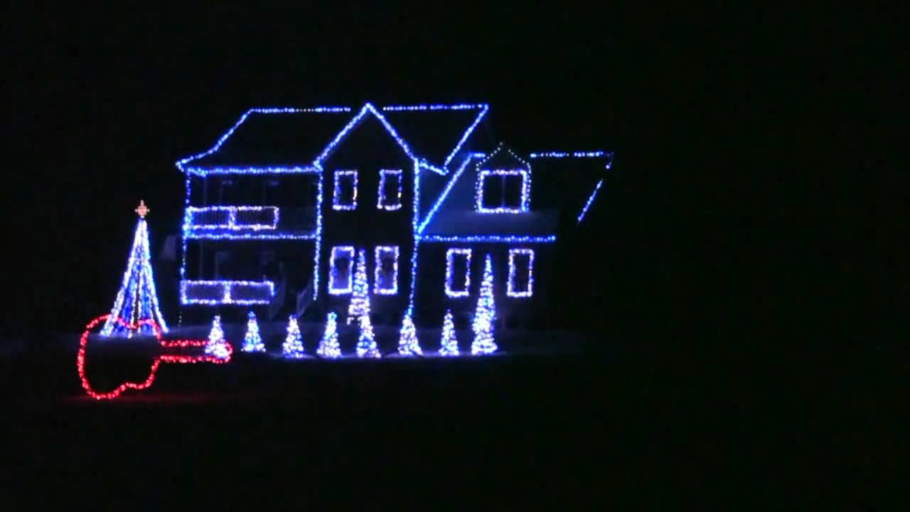 Blue Christmas Porky Pig Christmas Light Show 2010 - YouTube