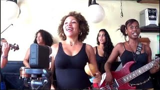 Son cubano para bailar tradicional. Musica cubanas antiguas. Imagen Son Bar La Dichosa Habana, Cuba