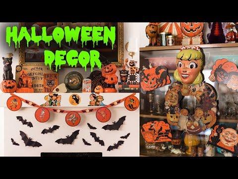 vintage-inspired-halloween-decor-|-emily-vallely