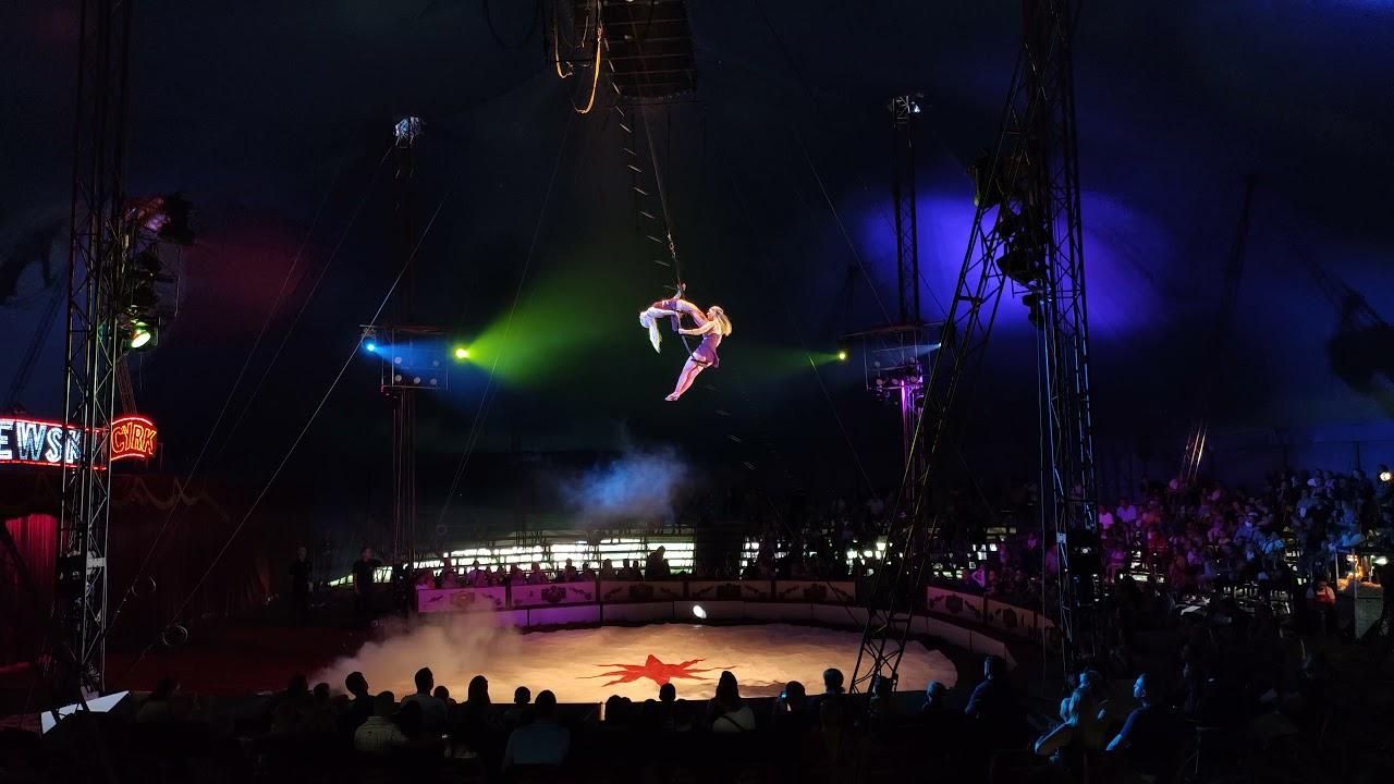 Monika & Jagoda - trapez kołowy