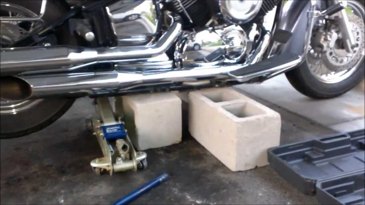 rear shaft driven motorcycle wheel removal vstar 1100 part 1 [ 1280 x 720 Pixel ]