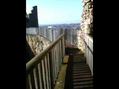 Sonja at Framlingham Castle