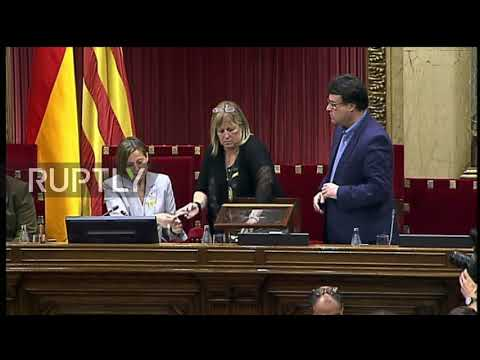 Spain: Catalan parliament overwhelmingly approves independence declaration