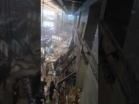 0:26 15-Jan-2018 (Mon) | Jakarta Stock Exchange Building floor collapsed today | Aftemath [3 of 4]