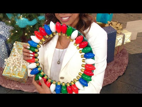 How to Make a DIY Wreath With Burnt Out Christmas Lights