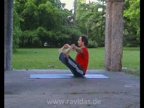 Spontanous Dynamic Yoga with Laurenzio in Frankfurt in a Parc!