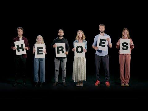 De Cast Van Lazarus Zingt 'Heroes'