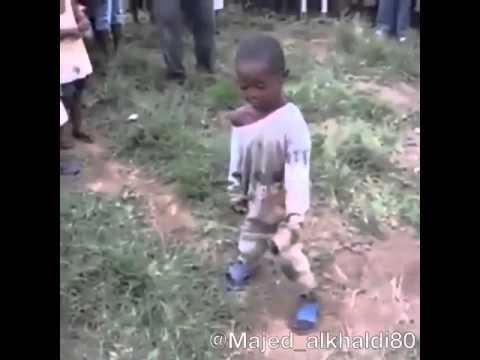رقص طفل سوداني thumbnail
