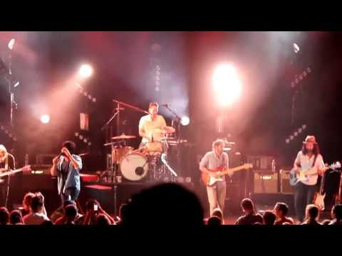 Young The Giant (The Jakes) LIVE - Shake My Hand - Pacific Amphitheatre 7/22/12