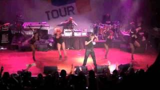 "Sean Garrett & Mario performing ""Break Up"" on the 106th & Park tour in Chicago"