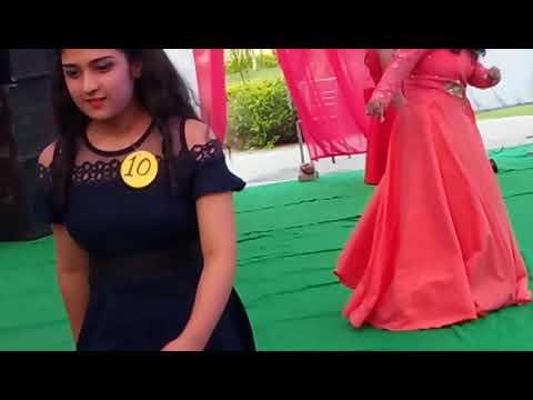 Up wala thumka lagao.Dance.. in Engineering college
